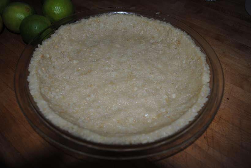 macadamia nut crust raw pie