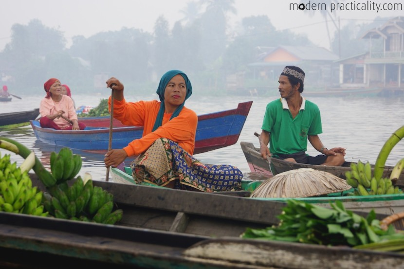 Floating-Market-Banjarmasin-Borneo-Indonesia-039
